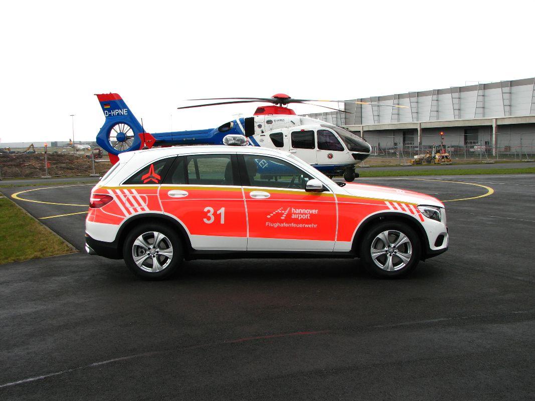 design112_werkfeuerwehr_airport_hannover_kdow_mb_glc_flaechnfolierung_ral3026_warnmarkierung-4