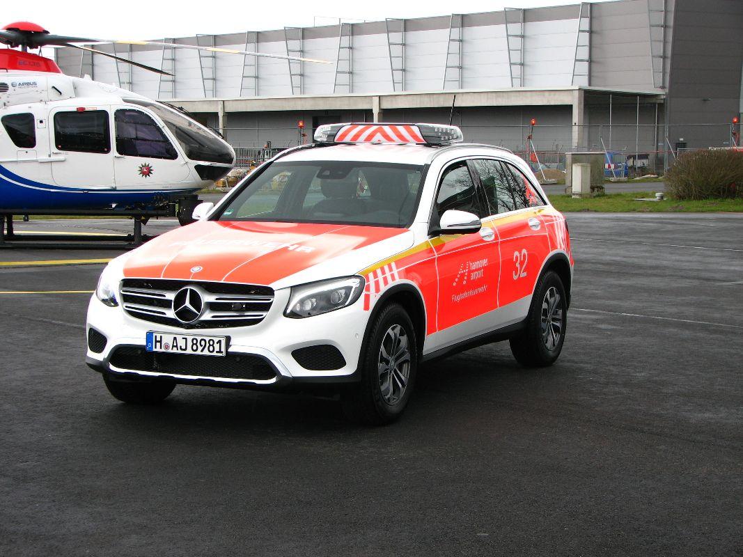 design112_werkfeuerwehr_airport_hannover_kdow_mb_glc_flaechnfolierung_ral3026_warnmarkierung-7