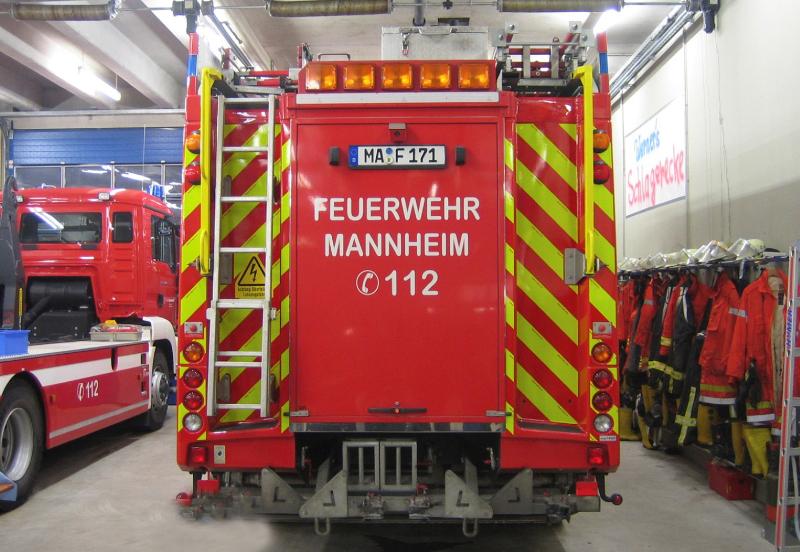 design112-hlf-bf-mannheim-warnmarkierung-rot-gelb-ma-f-171-large