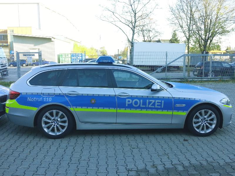 design112-polizei-hessen-bmw-5er-touring-f11-rechts