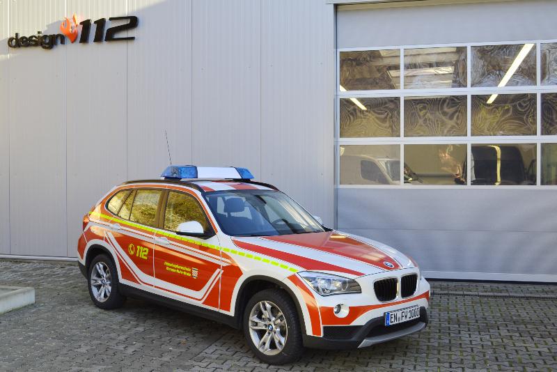 design112-kdow-feuerwehr-bmw-x1-ennepe-ruhr-kreis-ral-3000-linienmarkierung