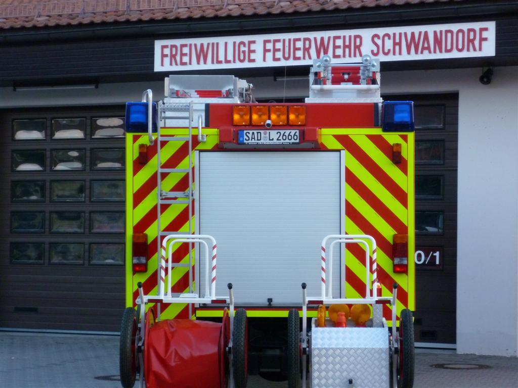 feuerwehr-schwandorf-lf20-16_heck_0