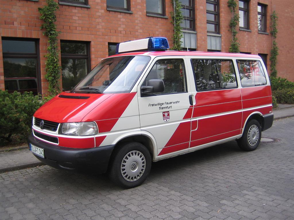 Aus Alt mach' Neu - MTW im Feuerwehr-Folien-Design ...