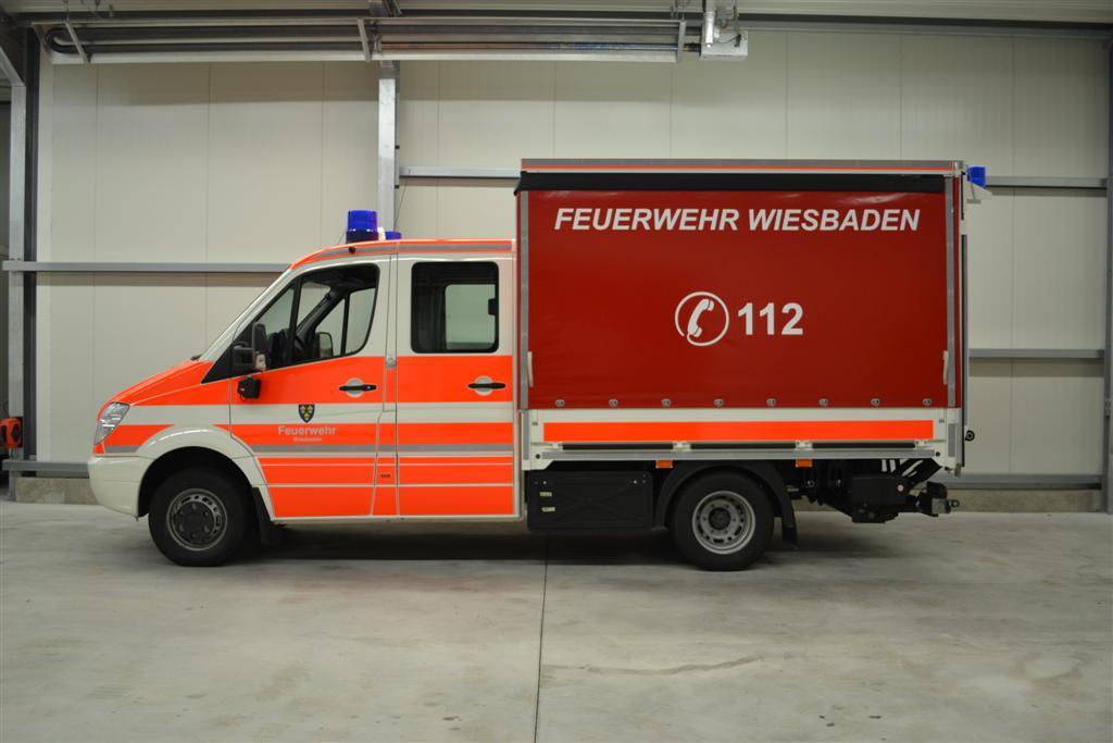 design112-feuerwehr-wiesbaden-sprinter-doka-konturmarkierung