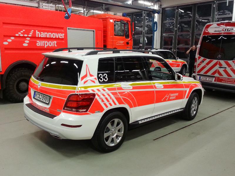 design112-kdow-feuerwehr-flughafen-hannover-linienmarkierung-mercedes-benz-glk