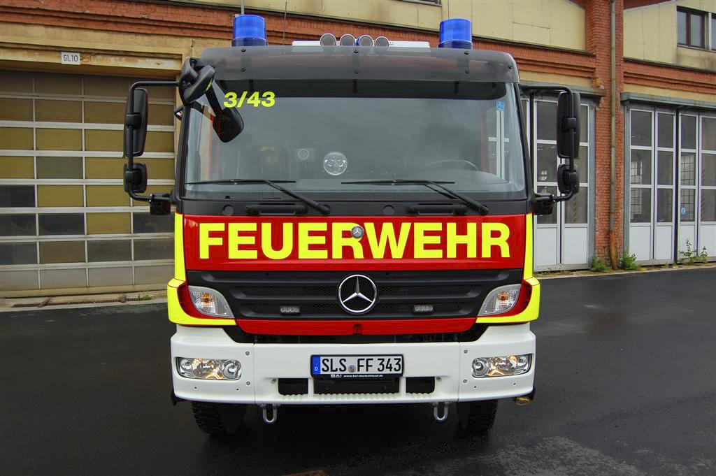 Feuerwehr Saarlouis - Löschfahrzeug in Tagesleuchtgelb RAL