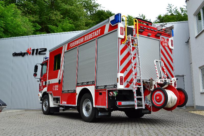 design112-feuerwehr-kelsterbach-rw-konturmarkierung-warnmarkierung-din-14502-3-7