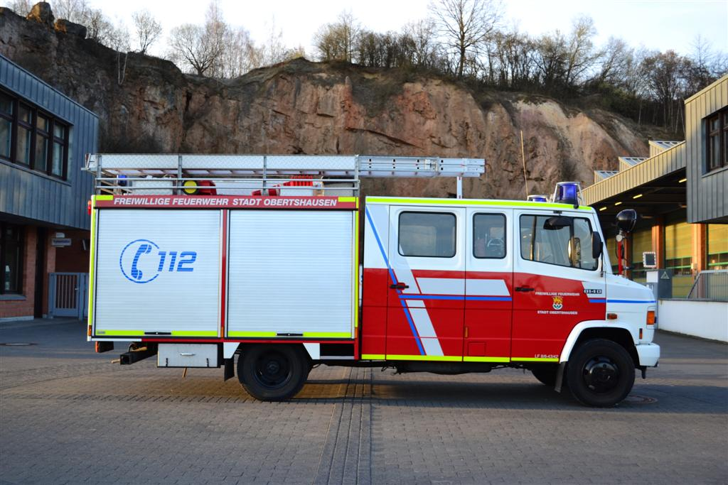 lf8-6feuerwehrobertshausen-warnmarkierung-konturmarkierung-din14502dsc_0015-large