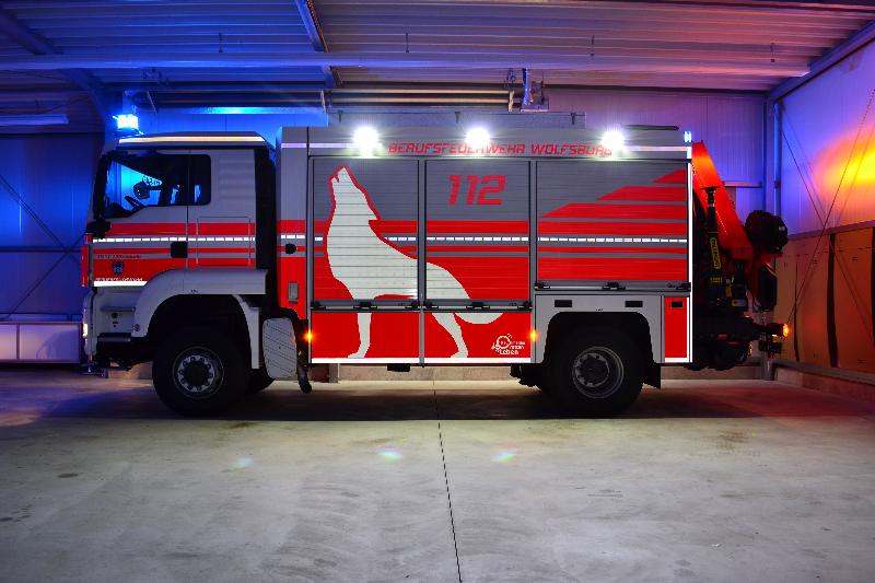 design112-rw-kran-bf-wolfsburg-nacht-3