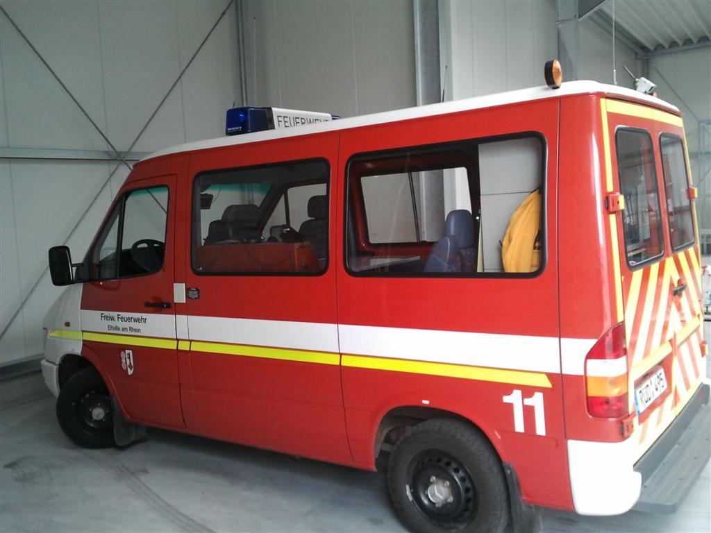 Warnmarkierung-Sprinter-rot-gelb-DIN14502-3 Foto0379 (Large).jpg