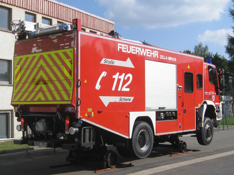design112-feuerwehr-zella-mehlis-hlf-strasse-schiene